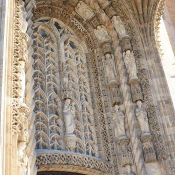 1365 Cathédrale entrée