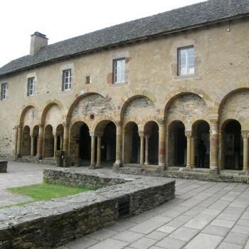 Cloître de l'Abbatiale Saint-Foy