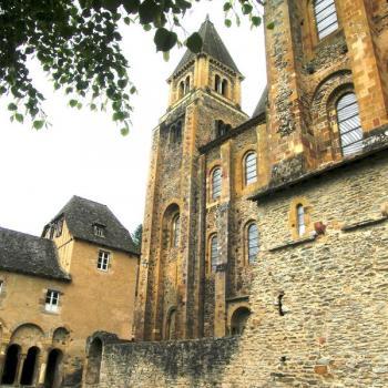 Abbatiale Saint-Foy vue du cloître